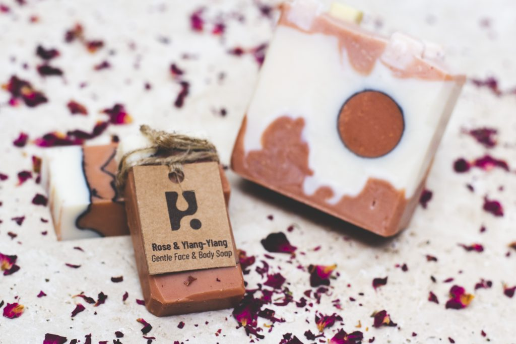 Mini rosa Vegan soap